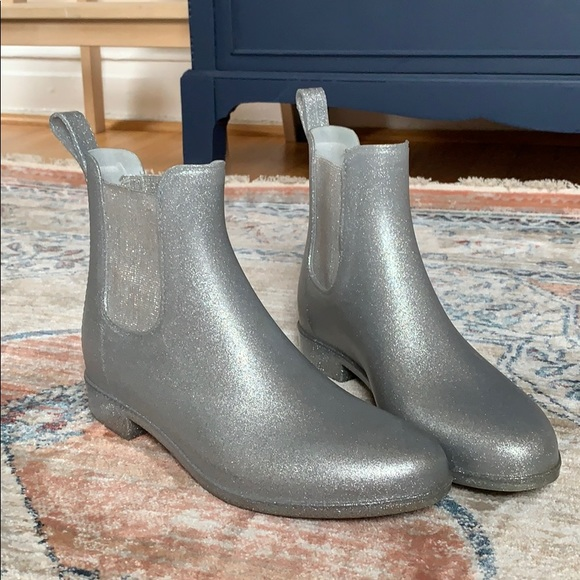 J. Crew Shoes - J.Crew Mercantile Silver Jellie Rainboots